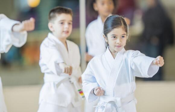 Pourquoi initier les enfants aux arts martiaux ?