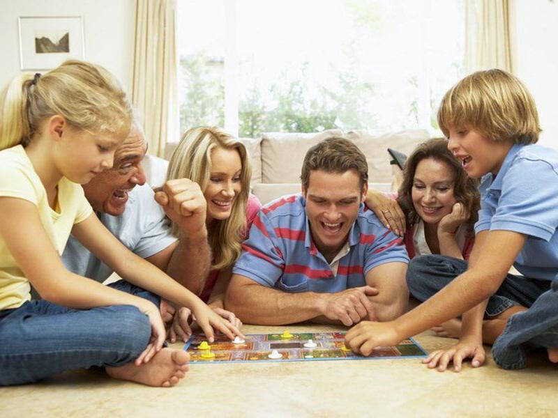 Jeux de société : les incontournables pour la famille