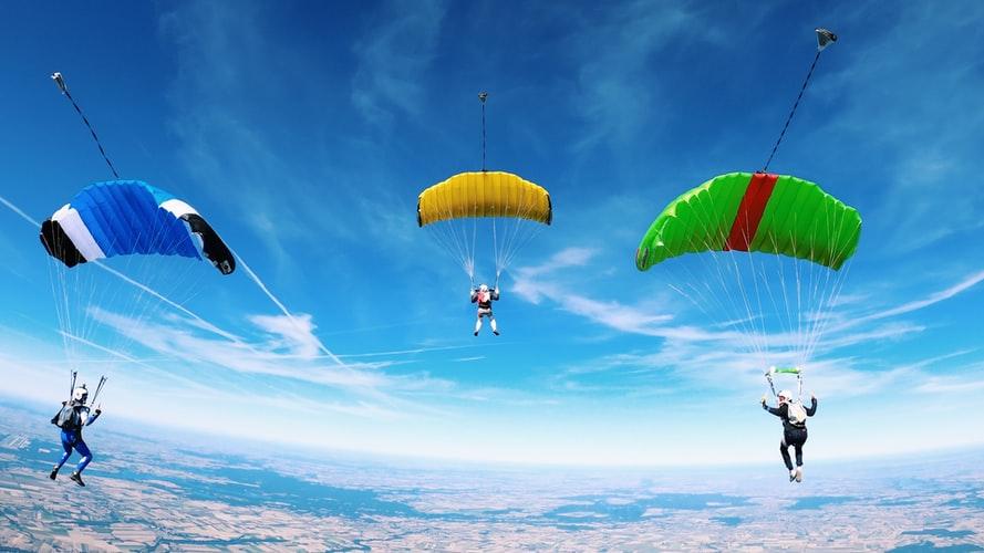 5 bonnes raisons de faire un saut en parachute